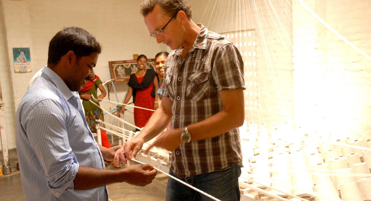 Qualitätskontrolle in der Seilerei in Indien